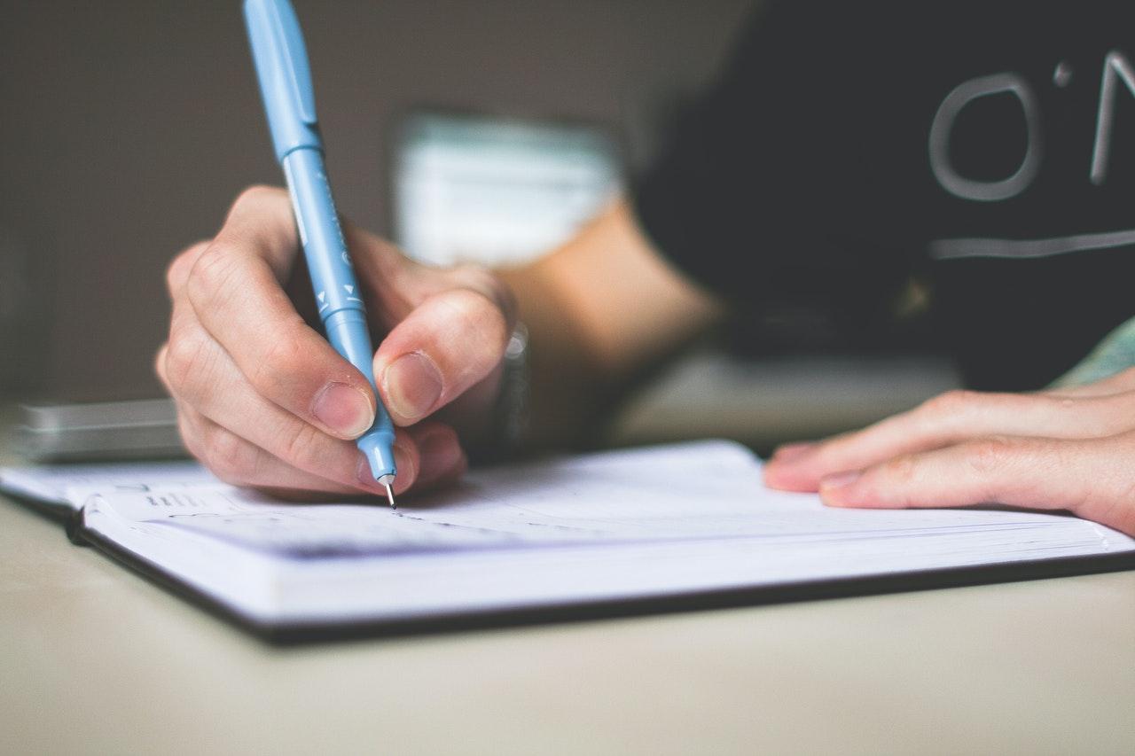 Contoh Surat Izin Tidak Masuk Kerja, Kuliah Serta Sekolah Yang Baik Dan Benar