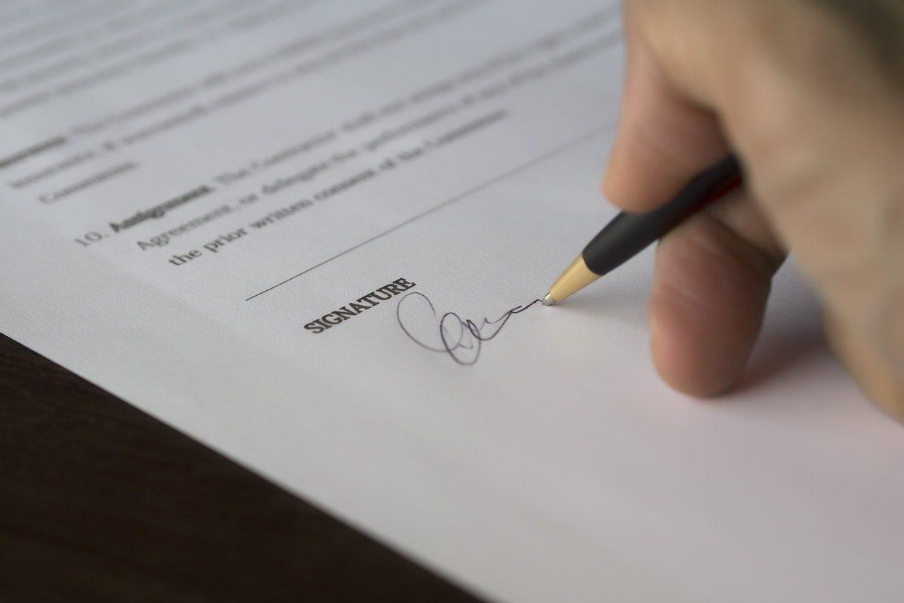 Contoh Surat Perjanjian Kontrak Kerja yang Baik dan Benar